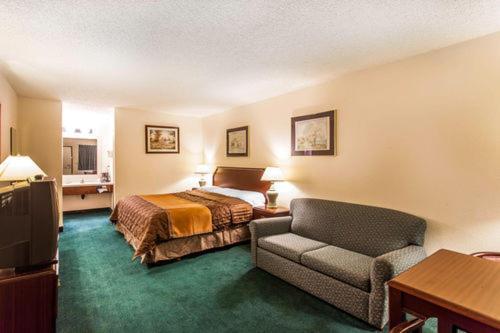 Econo Lodge Everett - Everett, WA 98208