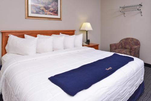 New Victorian Inn & Suites Omaha Photo