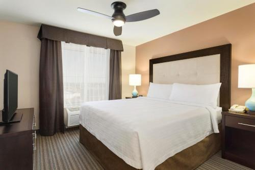 Homewood Suites By Hilton Fargo Nd - Fargo, ND 58102