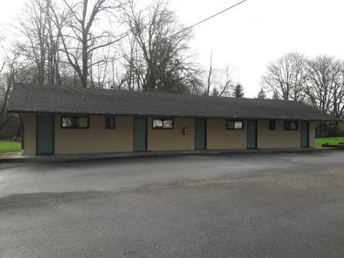 Monroe Motel - Monroe, WA 98272