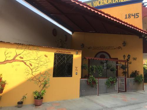 HotelHotel Hacienda La Alborada