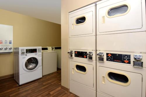 Extended Stay America - Austin - Metro photo 9