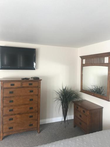 HotelTriple Tree Suites