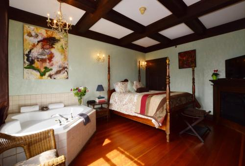 Marketa's Bed And Breakfast - Victoria, BC V8V 1T4