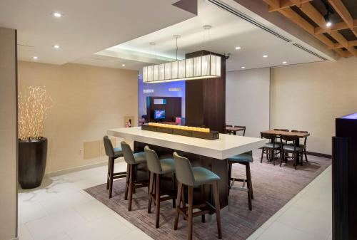 Courtyard by Marriott New York Manhattan / Soho photo 21
