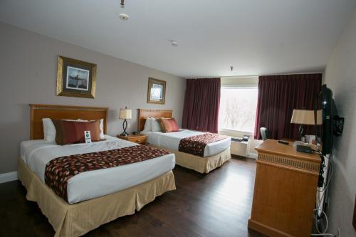Hearthstone Inn Dartmouth Photo