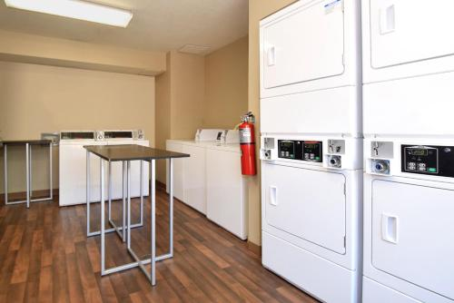 Extended Stay America - Raleigh - Research Triangle Park - Hwy 55 Photo