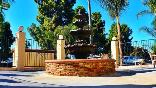 Days Inn San Diego Chula Vista South Bay Photo