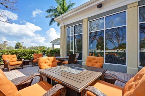 Hilton Garden Inn Sarasota-bradenton Airport - Sarasota, FL 34243