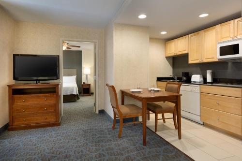 Homewood Suites Hartford - Hartford, CT 06103