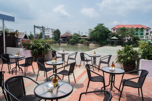 Ayothaya Riverside Hotel photo 9