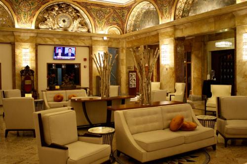 Congress Plaza Hotel Photo
