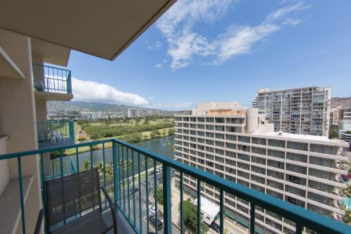 Aloha Surf With Ocean Views 14th Floor - Honolulu, HI 96815