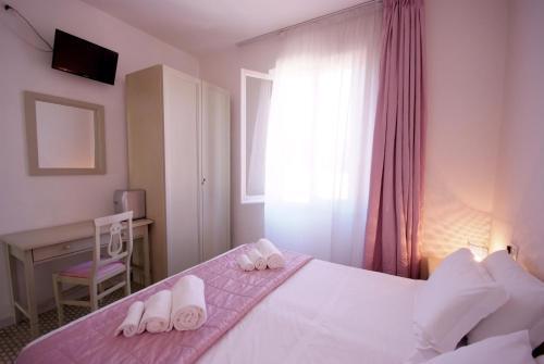 hotel albergo dei 10 colori procchio da 130 volagratis