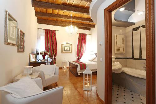 Hotel The Palazzetto Suites