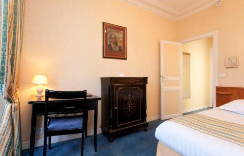 Hotel Du Quai Voltaire photo 13
