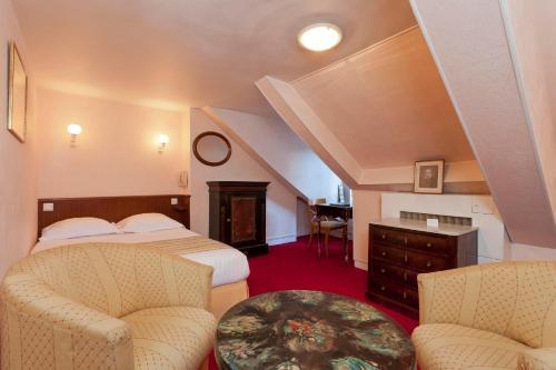 Hotel Du Quai Voltaire photo 17