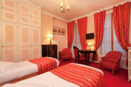 Hotel Du Quai Voltaire photo 21