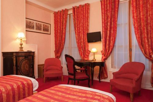 Hotel Du Quai Voltaire photo 22