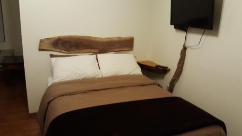 Country Cabins Motel - Chariton, IA 50049