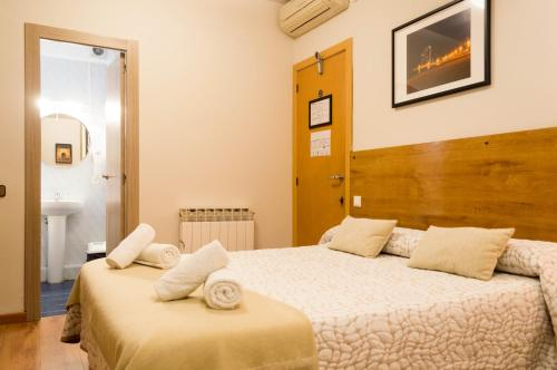 Hostal Alogar photo 36