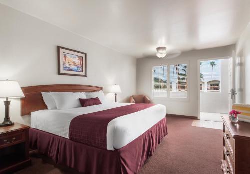 Palm Mountain Resort & Spa