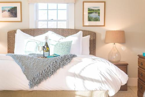 Sea Meadow Inn Photo