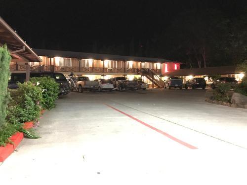 Vagabond Inn Red Bluff Photo