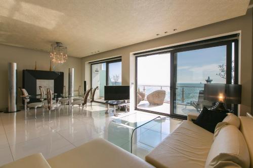 HotelNikis Suite