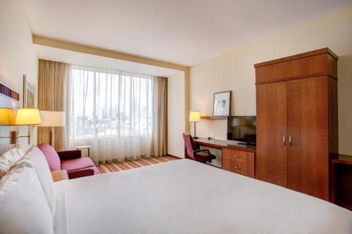 Courtyard by Marriott Panama at Multiplaza Mall Photo