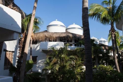 Club Cascadas de Baja Photo