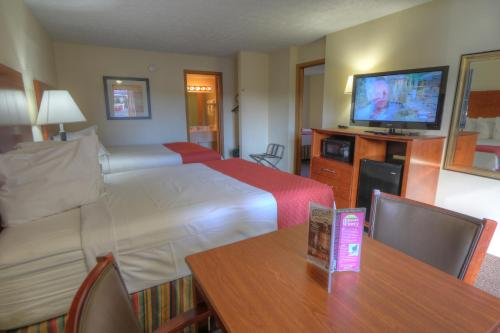 Ramada Pigeon Forge - Parkway Photo