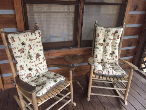 Creekside Memories- Blue Ridge Area