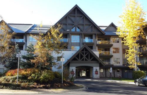 Aspens Mountain Side Resort - Whistler, BC V0N 1B4