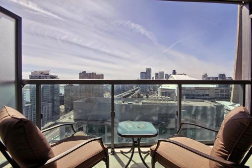 Breathtaking View In Prime Location - Toronto, ON M5J 3A3