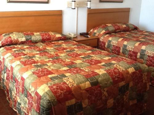 Econo Lodge Oceanfront Photo