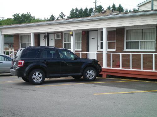 Silverstar Motel - Midland, ON L4R 2E5