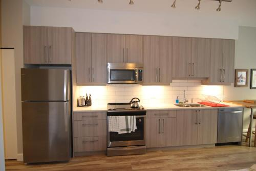 Stylish Studio Apartment - Victoria, BC V8W 1N6