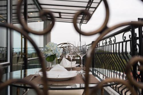 Bonsella Hotel photo 42