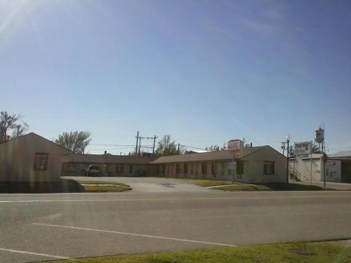 La Crosse Motel - La Crosse, KS 67548