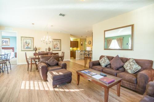 Cayview Avenue | 1009-four Bedroom Lake Apartment - Orlando, FL 32819