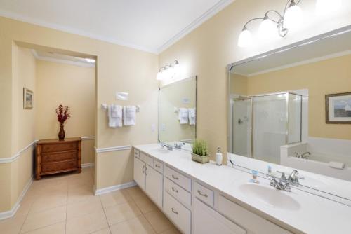 Cayview Ave   1008-four Bedroom Lake Apartment - Orlando, FL 32819