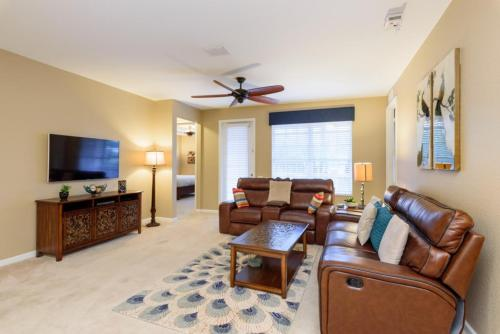 Shoreway Loop | 1007-two Bedroom Apartment