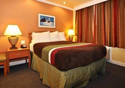 Rodeway Inn & Suites Oakland Photo