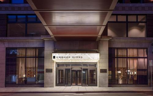 Embassy Suites By Hilton Minneapolis Downtown Hotel Photo