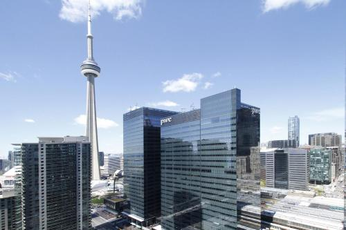 Applewood Suites Financial District - Toronto, ON M5J 2Z2