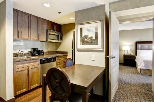 Homewood Suites By Hilton Toronto-markham - Markham, ON L6G 0A9