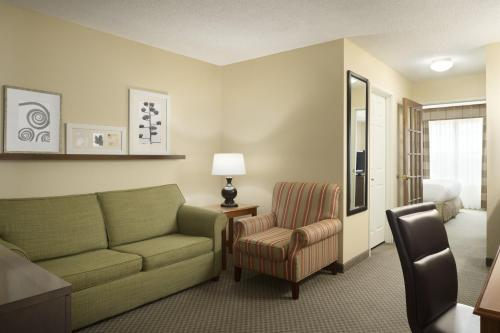 Country Inn & Suites by Radisson, Grinnell, IA Photo