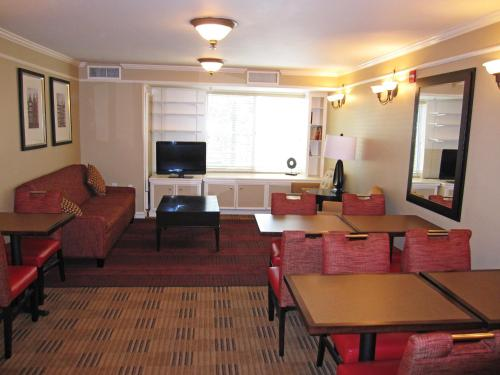 Extended Stay America - San Francisco - San Carlos photo 26