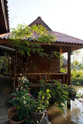 Mae Yen House